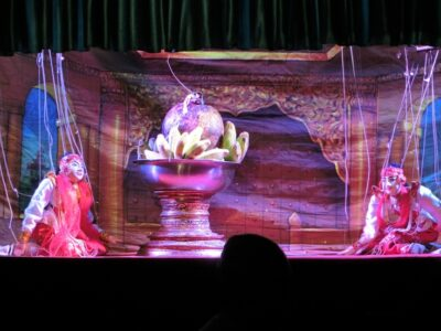 Marionetten beim Theater in Mandalay