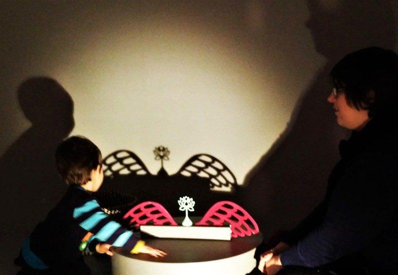 Schattenspiele im Varldskulturmuseerna dem besten Göteborg Museum auf einer Städtereise Göteborg