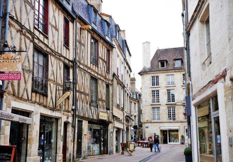 Poitiers Innenstadt mit Fachwerkhäusern