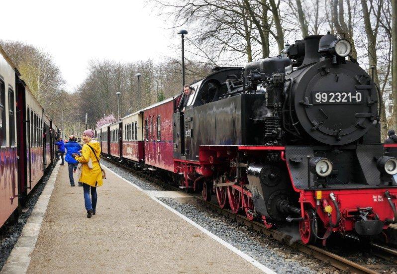 Mecklenburgische Bäderbahn Molli in Heiligendamm