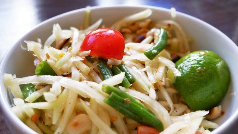 Fertiges Som Tam Thai grüne Papaya Salat Rezept