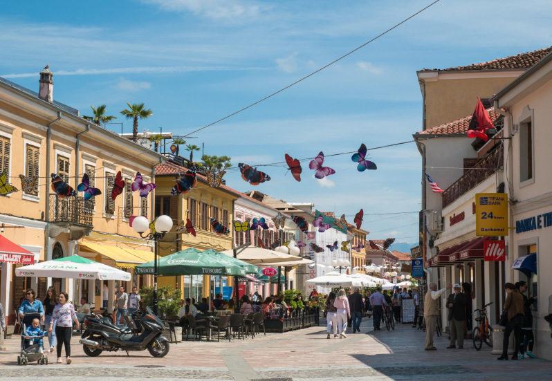 Innenstadt von Shkodra im Albanien Urlaub