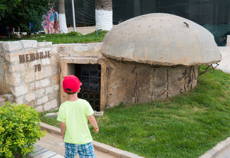 Bunker Denkmal in Saranda im Albanien Urlaub