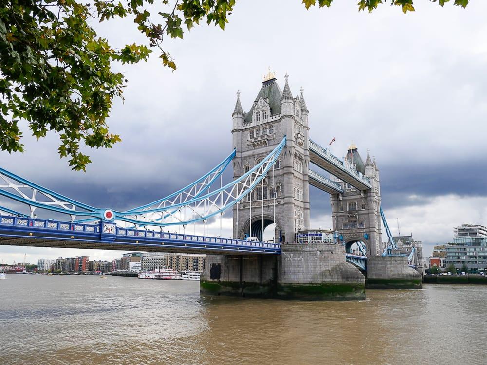 Die Tower Bridge in London mit Kindern